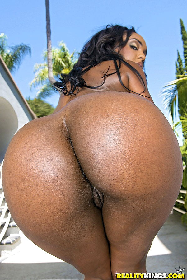 nude-girls-big-naked-ebony-booty-exercises